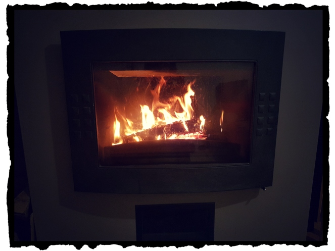 Cheminée Flambée Fire Hearth Cosy Hygge Petits bonheurs Enjoy the little things Count Your Blessings Gratitude Journal