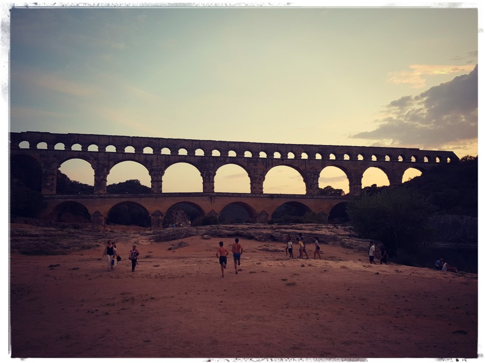 Le Pont du Gard coucher de soleil